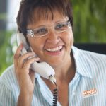 KWU Frau am Telefon