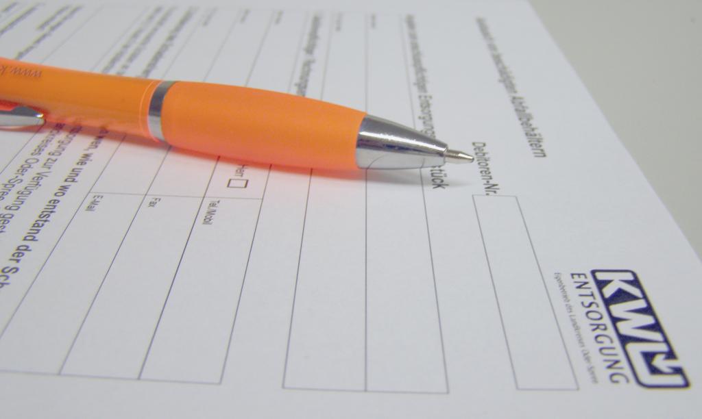 KWU Formular und ein Kugelschreiber